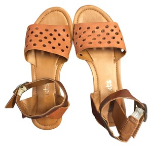Coconuts by Matisse Casual Summer Brown Sandals