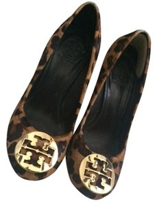Tory Burch Logo Monogram Leopard Wedges