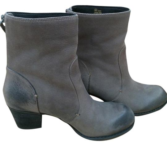 Preload https://item4.tradesy.com/images/crown-vintage-gray-boots-1501753-0-0.jpg?width=440&height=440