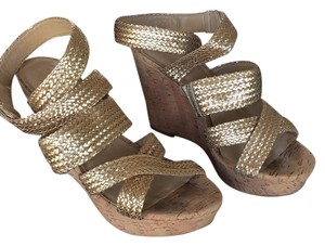 Ann Taylor Glod metallic Sandals