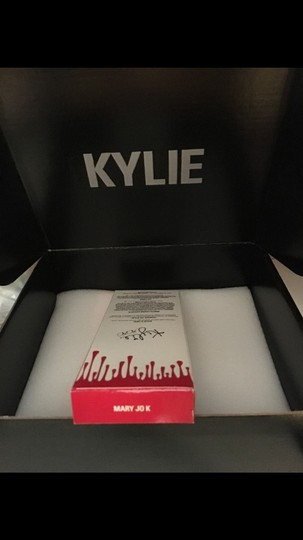 Kylie Cosmetics NEW Kylie Jenner MAKEUP COSMENTICS MATTE LIPKIT Lip Kit Mary Jo K Red Brand New