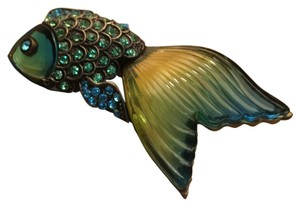 Other Crystal Blue/green Fish Pin