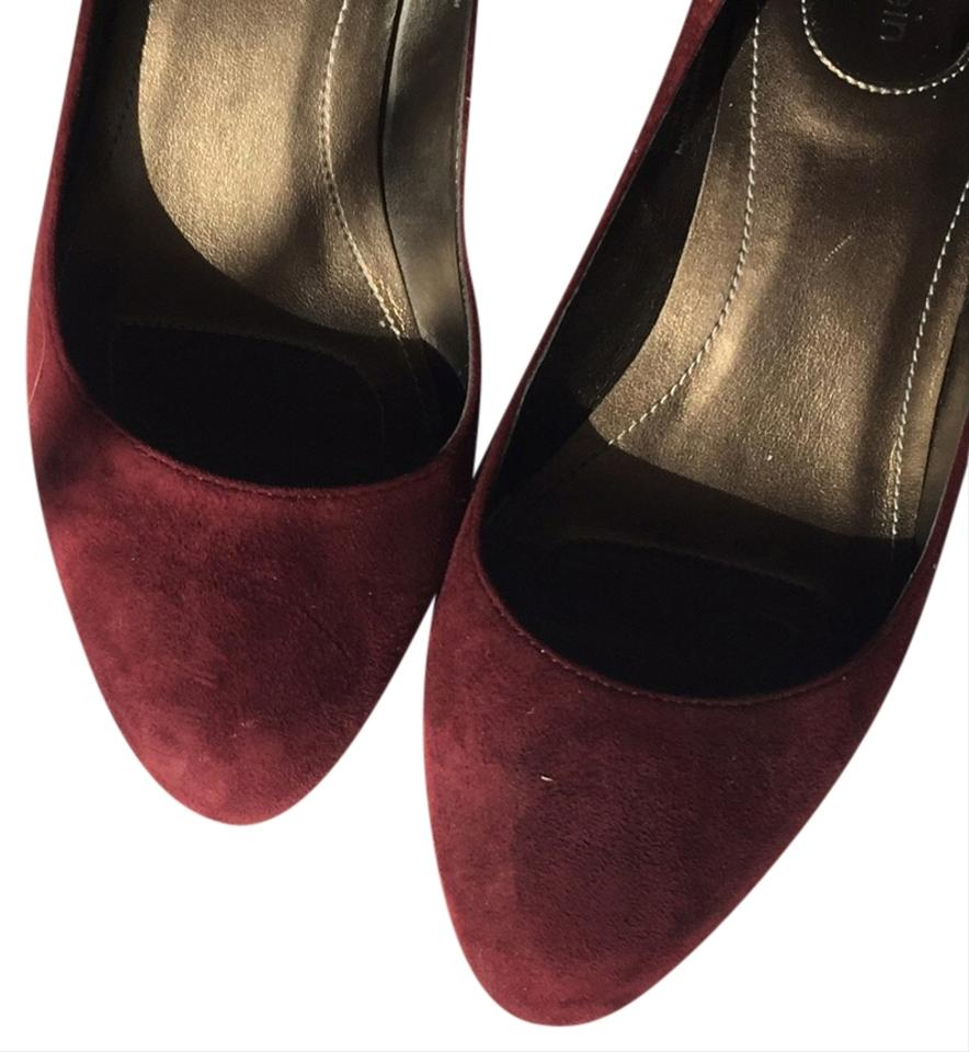 468f56cee9d Nine West Low Heel Night Out Date Night Burgundy Pumps Image 0 ...