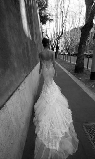 Inbal Dror White Lace and Tulle Fishtail Strapless Sexy Wedding Dress Size 4 (S)