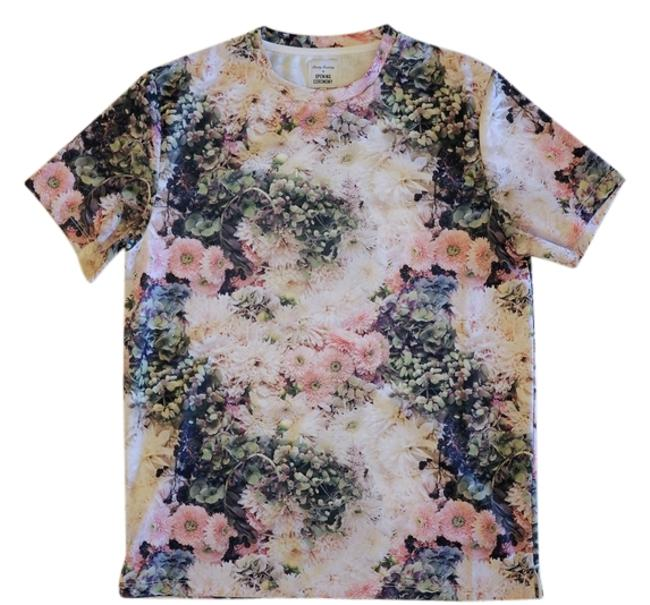 Item - Floral Tee Shirt Size 4 (S)