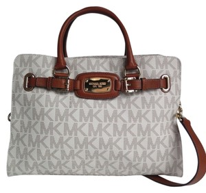 Michael Kors Hamilton Large Satchel in Signature Vanilla