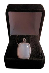 Moonstone pendant with 14 K white gold