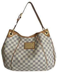 Louis Vuitton Galleria Hobo Bag