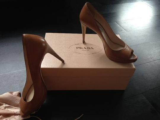 Prada Open Toe Leather Designer beige Pumps