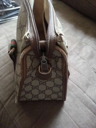 Gucci Doctor Vintage Classic Monogrammed G Italy Vintage Coated Canvas Italian Designer Satchel