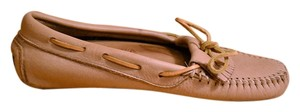 Minnetonka Moccasin Leather Casual Moosehide Tan Flats