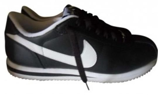 Preload https://item4.tradesy.com/images/nike-black-and-white-cortez-sneakers-leather-sneakers-size-us-10-150298-0-0.jpg?width=440&height=440