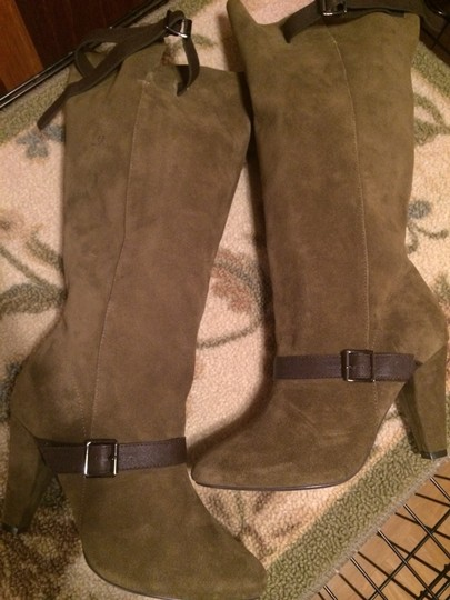 Colin Stuart ARMY GREEN W CHOCOLATE BROWN BUCKLE STRAP ACCENTS Boots Image 1