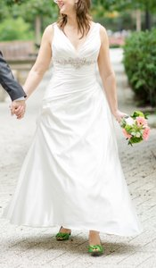 Allure Bridals P909 Wedding Dress