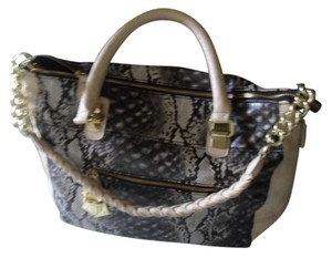 Steve Madden Tote in beige and faux snake