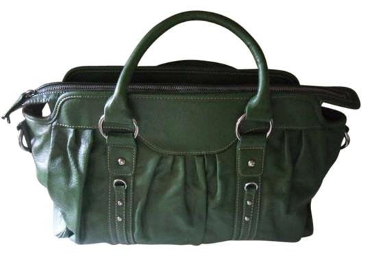 Preload https://img-static.tradesy.com/item/150352/liz-claiborne-emerald-green-faux-leather-satchel-0-0-540-540.jpg