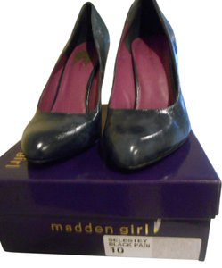 Madden Girl Black/Navy Pumps