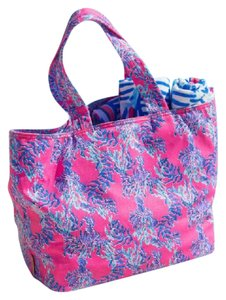 Lilly Pulitzer Beach Bags - Up to 70% off at Tradesy