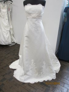 St. Patrick Off White Satin Etolia Bridal (74l) Formal Wedding Dress Size 14 (L)