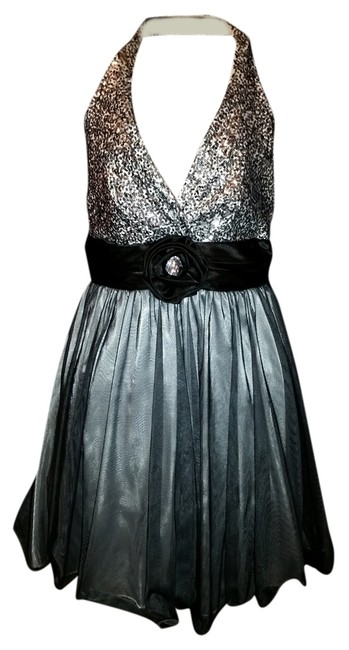 Preload https://item1.tradesy.com/images/city-triangles-gray-and-black-halter-knee-length-cocktail-dress-size-6-s-1503895-0-0.jpg?width=400&height=650