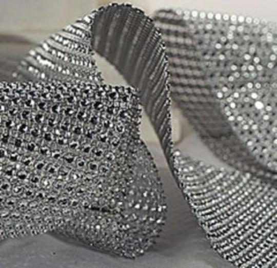 Preload https://item3.tradesy.com/images/silver-1-yard-3ft-of-bling-diamond-mesh-super-sparky-reception-decoration-150392-0-0.jpg?width=440&height=440