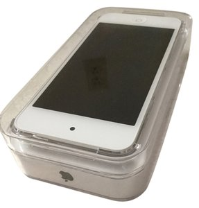 Apple 6th Generation Silver Apple iPod Touch (32 GB)