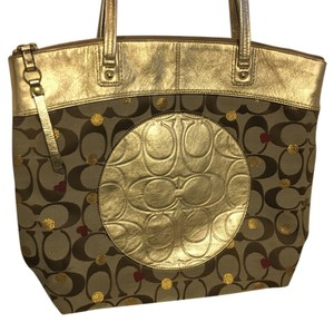 Coach Tote in Gold/Red
