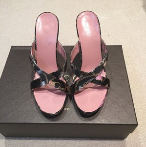 Gucci Black & Pink Sandals