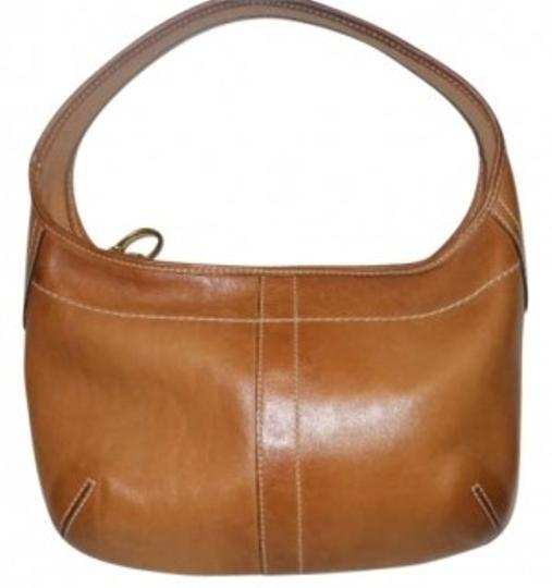 Preload https://item3.tradesy.com/images/coach-no-mo693-10739-tan-leather-hobo-bag-150437-0-0.jpg?width=440&height=440