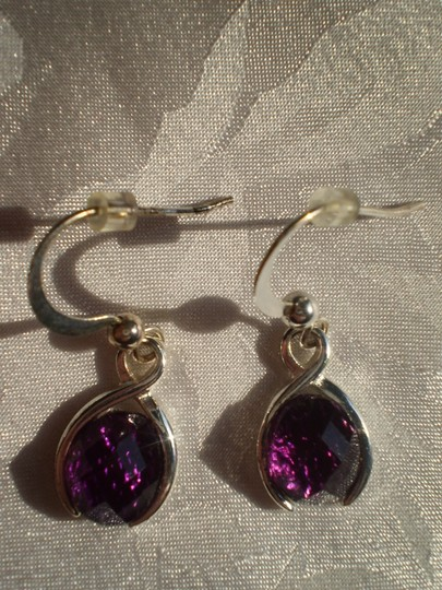 Preload https://img-static.tradesy.com/item/150442/amethyst-like-new-earrings-0-0-540-540.jpg