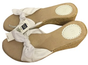 Gap White and tan Wedges
