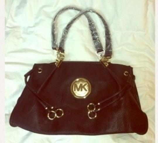 Preload https://img-static.tradesy.com/item/150445/michael-kors-black-hobo-bag-0-0-540-540.jpg