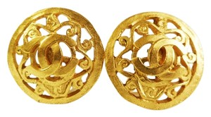 Chanel CHANEL Authentic Gold CC Classic Clip on Earrings