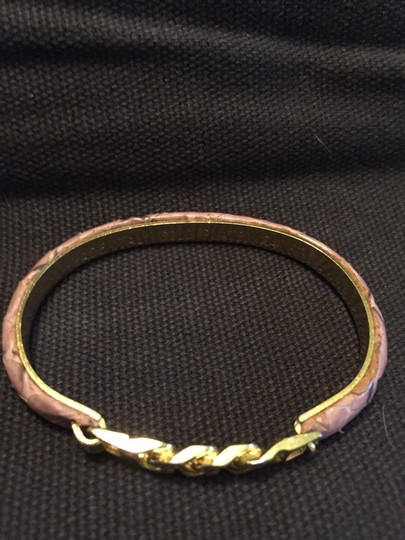 Other Italian bracelet, stamped gold plated 24k, pink leather / gold, front clasp opening