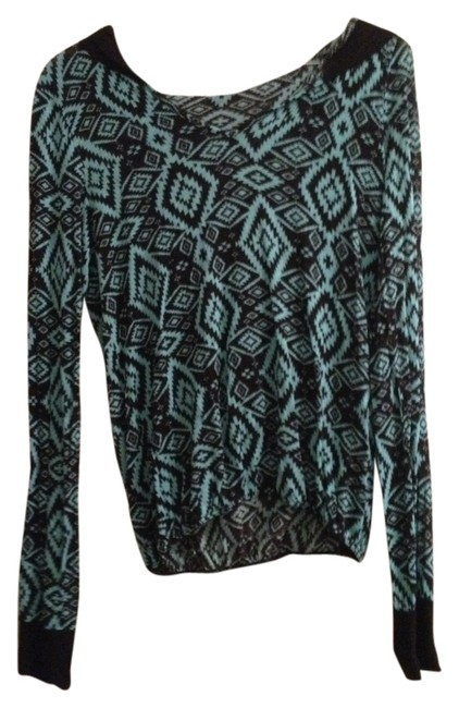 Preload https://item1.tradesy.com/images/rue-21-aqua-and-black-aztec-sweatshirthoodie-size-4-s-1504720-0-0.jpg?width=400&height=650