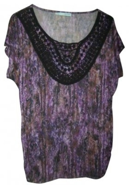 Preload https://img-static.tradesy.com/item/150480/maurices-purples-and-black-blouse-size-14-l-0-0-650-650.jpg