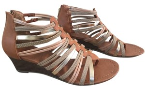 Madden Girl Wedge brown and Gold Sandals