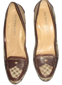 Burberry brown leather and plaids Pumps