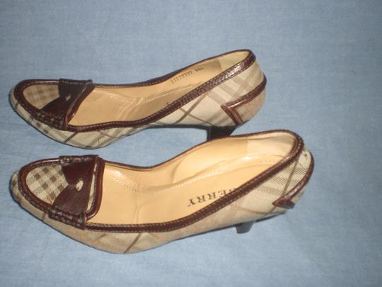 Burberry brown leather and plaids Pumps Image 4