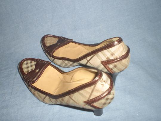 Burberry brown leather and plaids Pumps Image 5