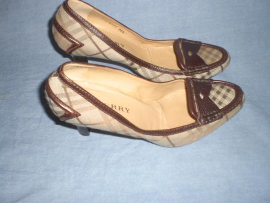 Burberry brown leather and plaids Pumps Image 7