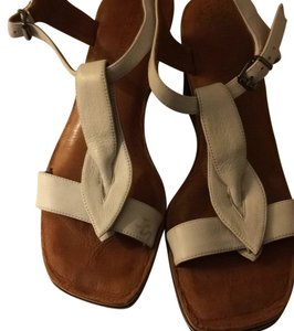 Gentle Souls White Wedges