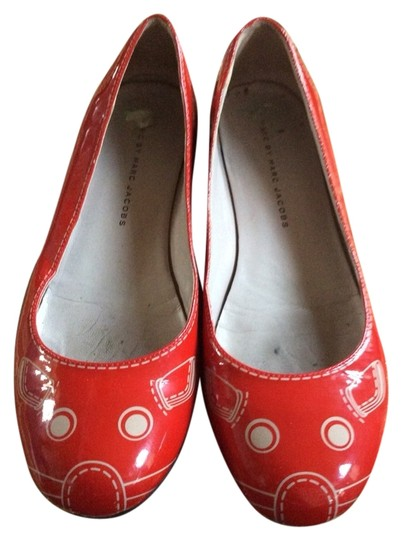 Preload https://item4.tradesy.com/images/marc-by-marc-jacobs-red-kitten-flats-size-us-75-1505253-0-0.jpg?width=440&height=440
