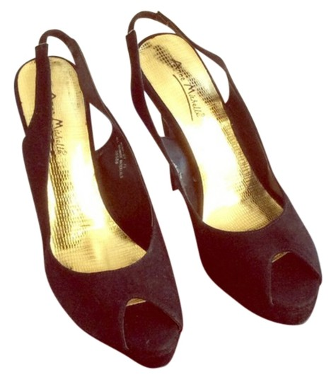 Preload https://img-static.tradesy.com/item/15052630/anne-michelle-formal-shoes-size-us-75-0-1-540-540.jpg