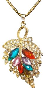 Betsey Johnson Betsey Johnson Colorful Crystal Leaf Necklace Gold N605