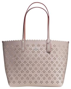 Coach Tote in SV/Grey Birch