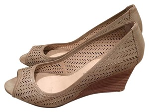 Franco Sarto Beige, tan Wedges