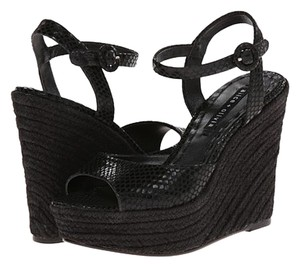 Alice + Olivia black Wedges