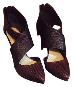 BCBGMAXAZRIA Bordeaux Pumps