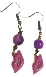 New Lips Earrings Dangle Purple Gold Tone J2487